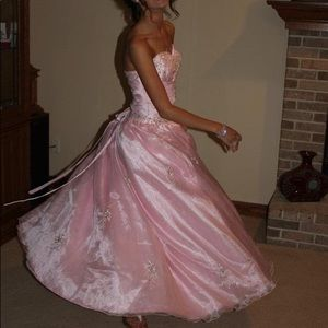 Dresses & Skirts - Light pink ball gown prom dress